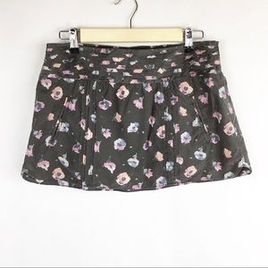 American Eagle | Small | Mini Skirt | Gray Floral